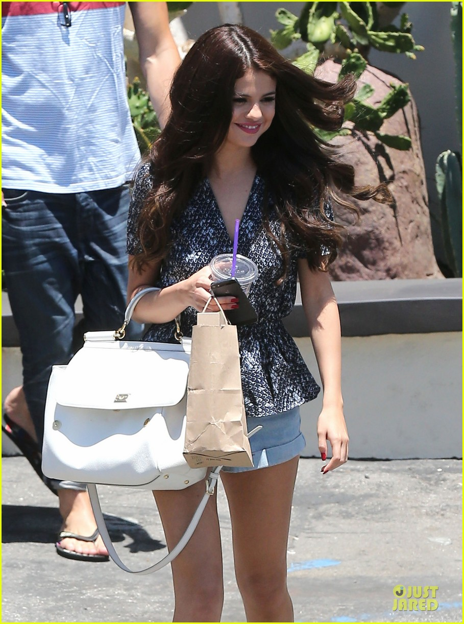 selena gomez im so glad you like spring breakers 142900099