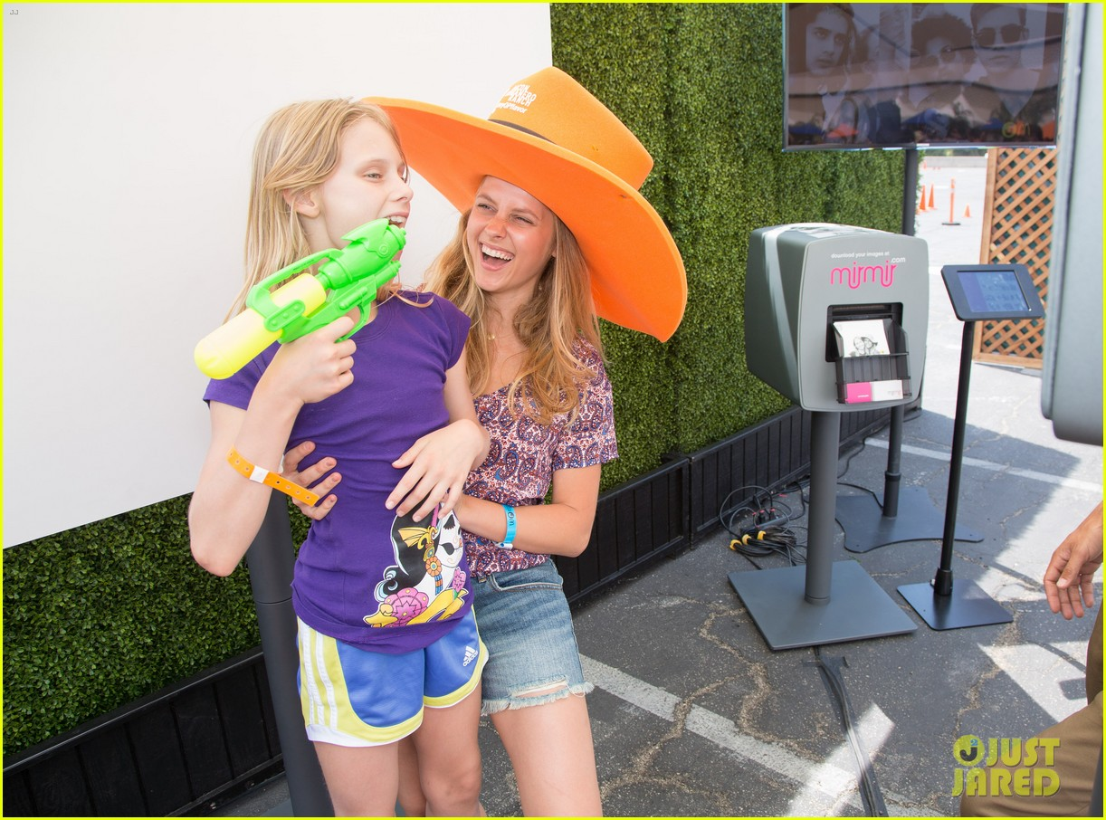 ashley greene teresa palmer just jared summer kick off party presented by mcdonalds 02
