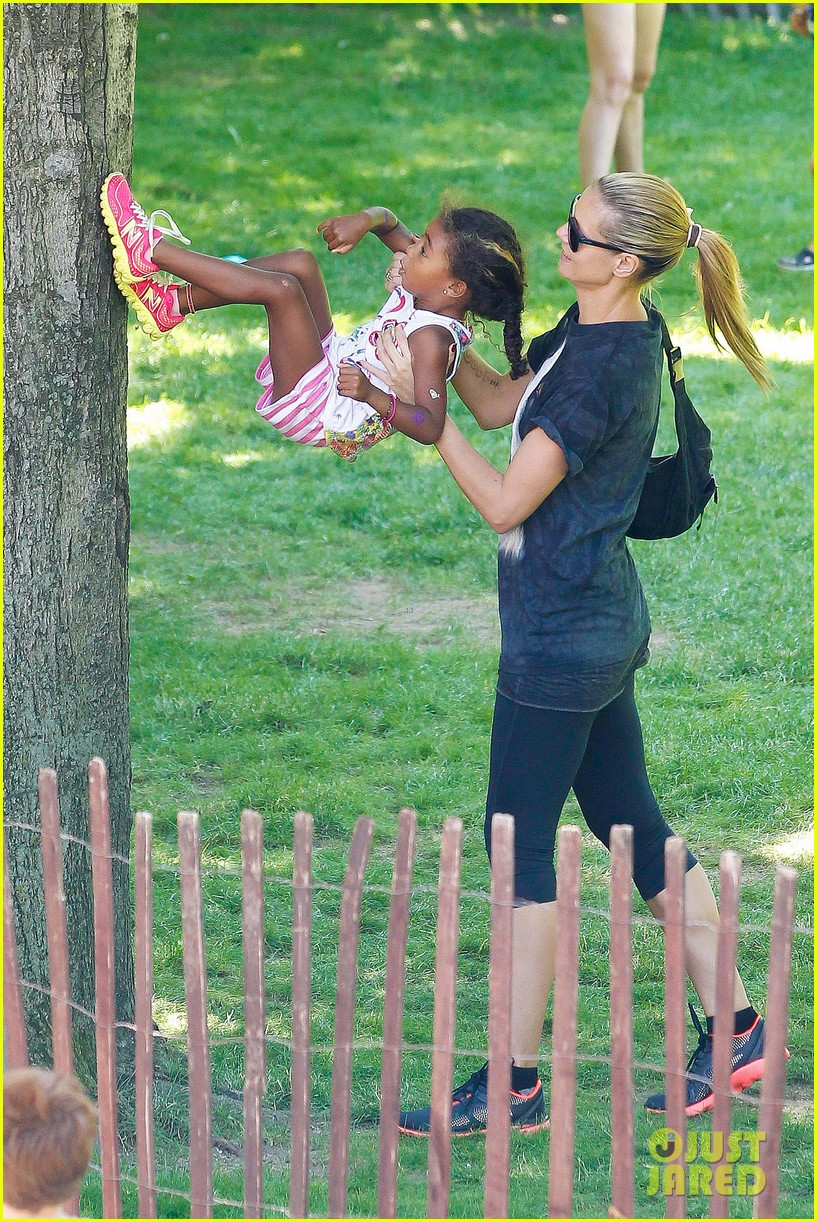 heidi klum martin kirsten take the kids to the park 122897197