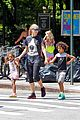 heidi klum martin kirsten take the kids to the park 32