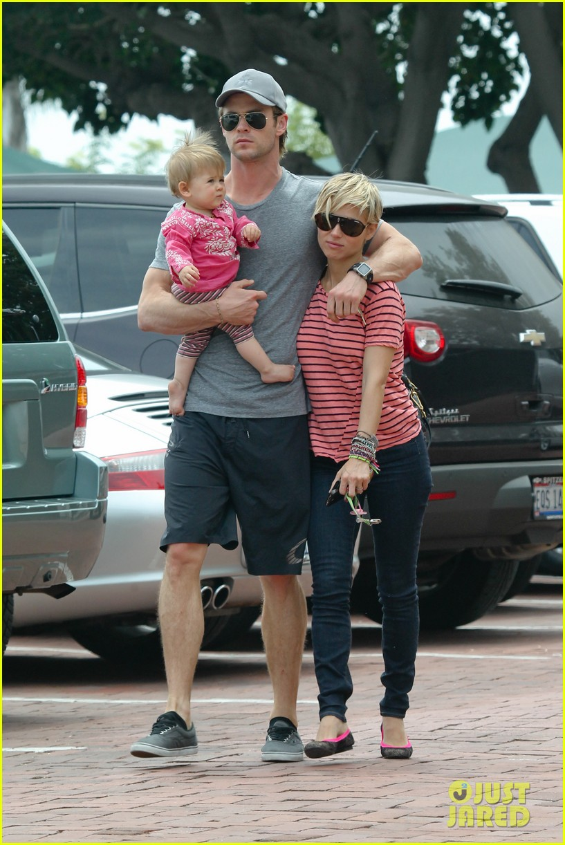chris hemsworth hugs his family close in malibu 132897465