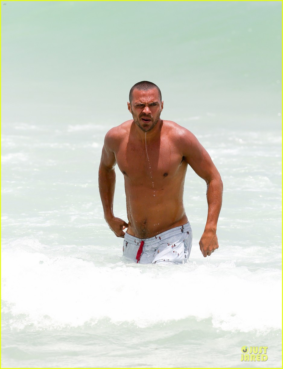 jesse williams shirtless miami vacation 10