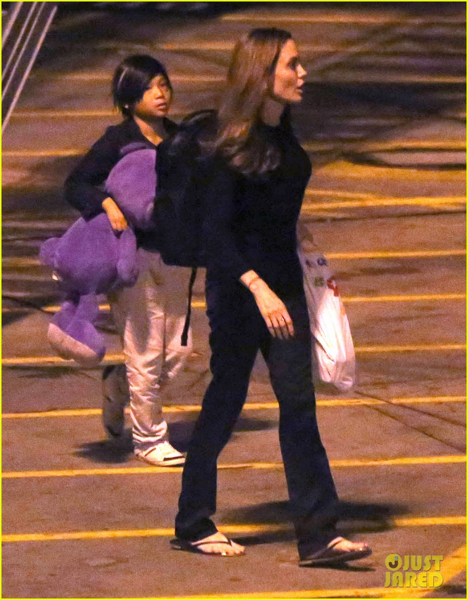 angelina jolie pax lax arrivial after un meeting 042898109