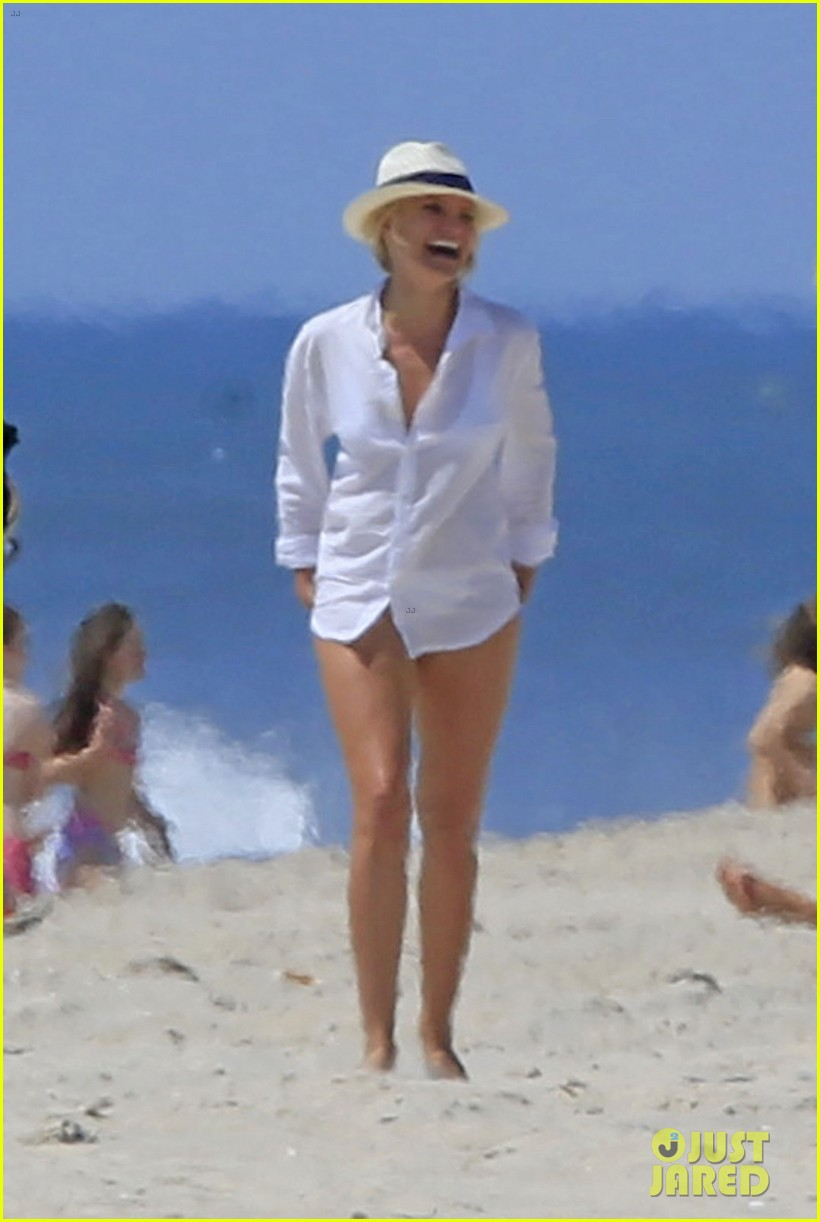 cameron diaz kate upton beach bikinis for the other woman 04
