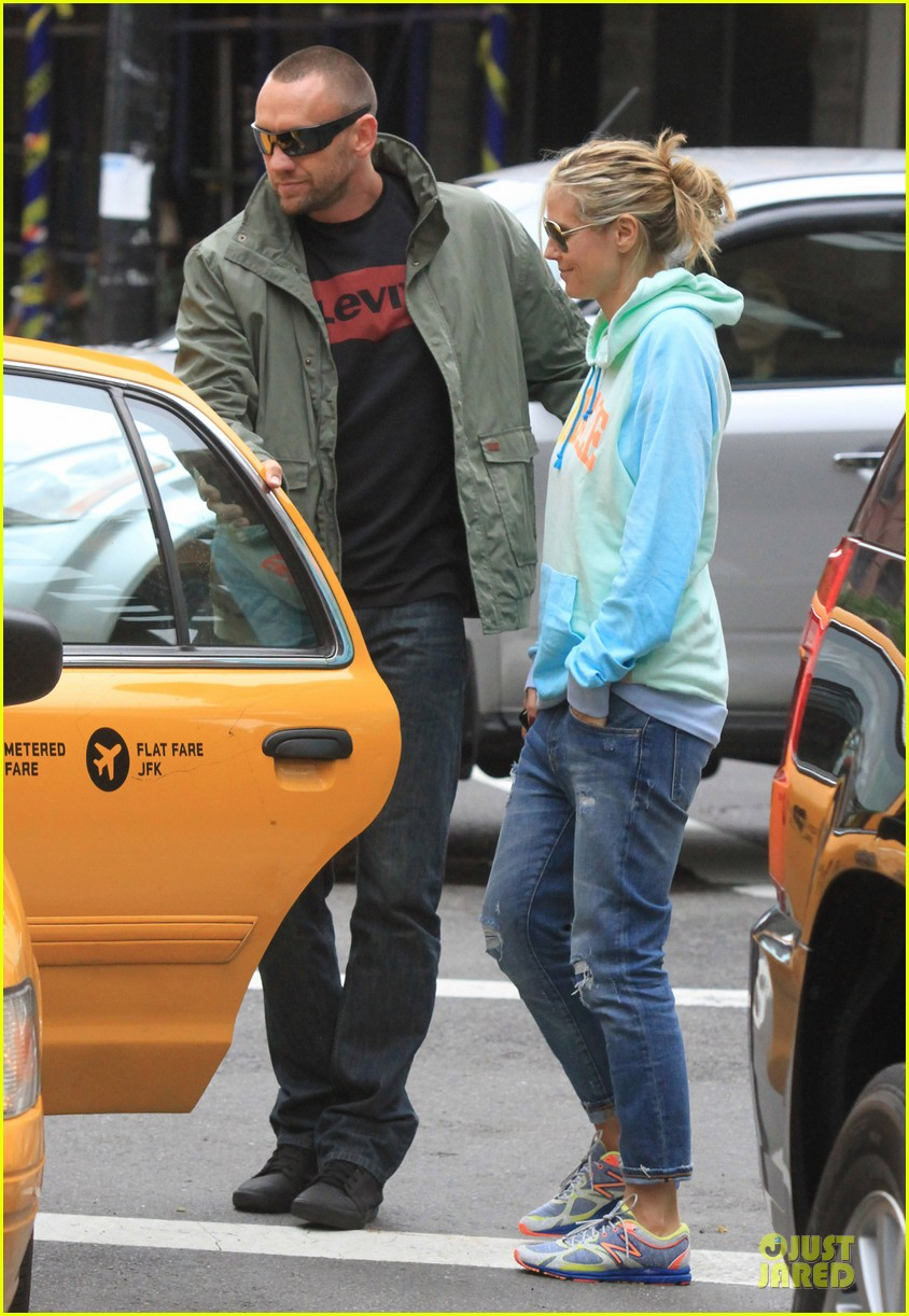 heidi klum martin kirsten holding hands during nyc run 092891537