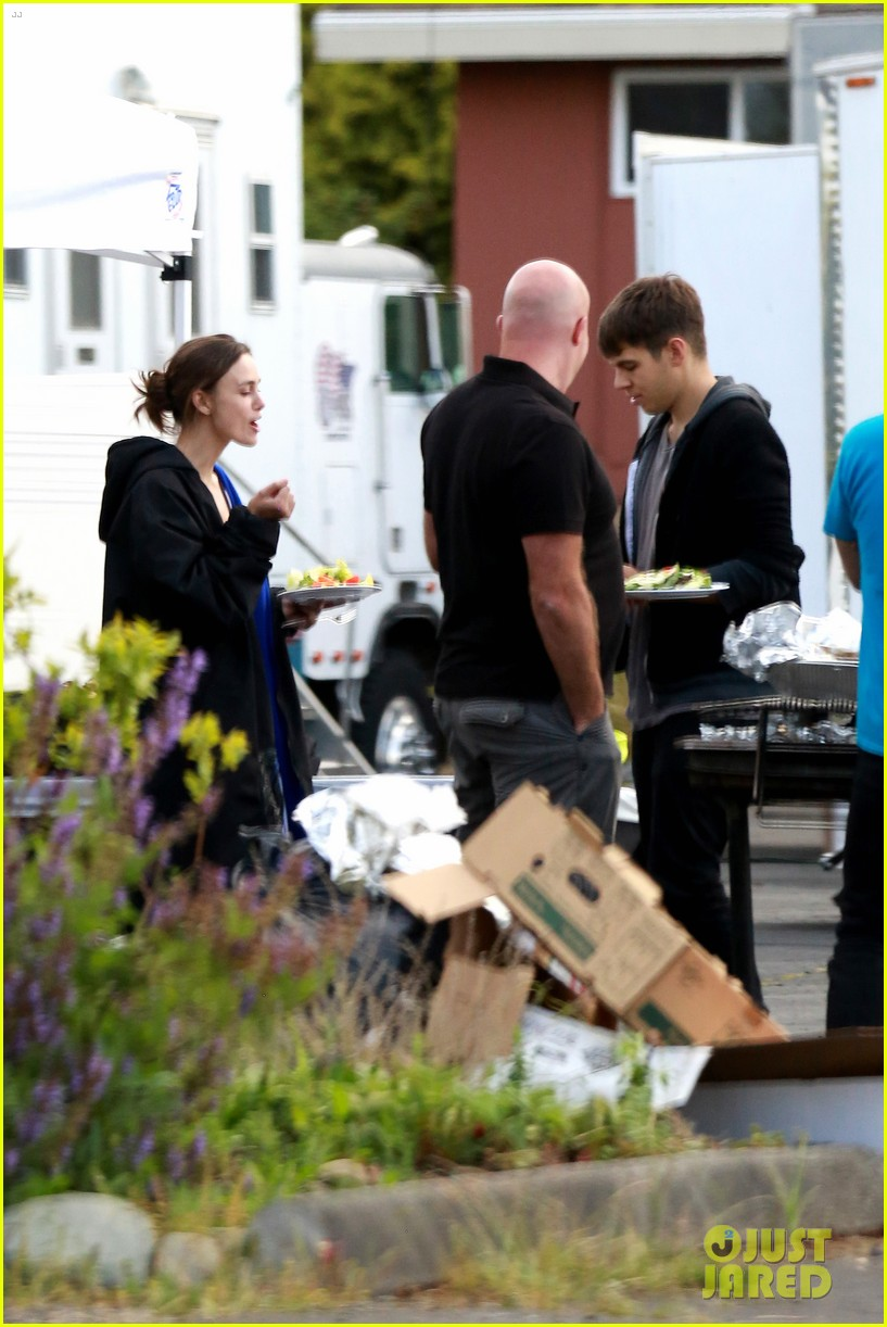 keira knightley james righton seattle kisses 022895585