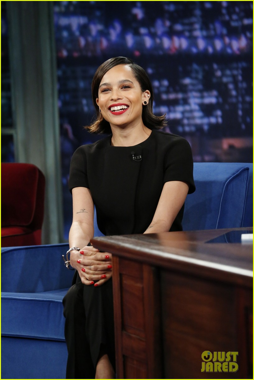 zoe kravitz late night with jimmy fallon visit 012884108