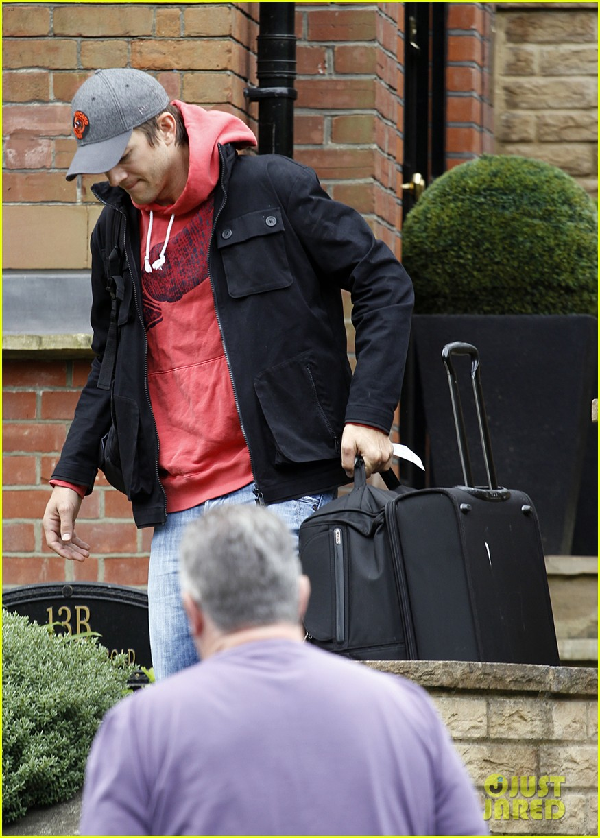 ashton kutcher heads to heathrow for flight out of london 07
