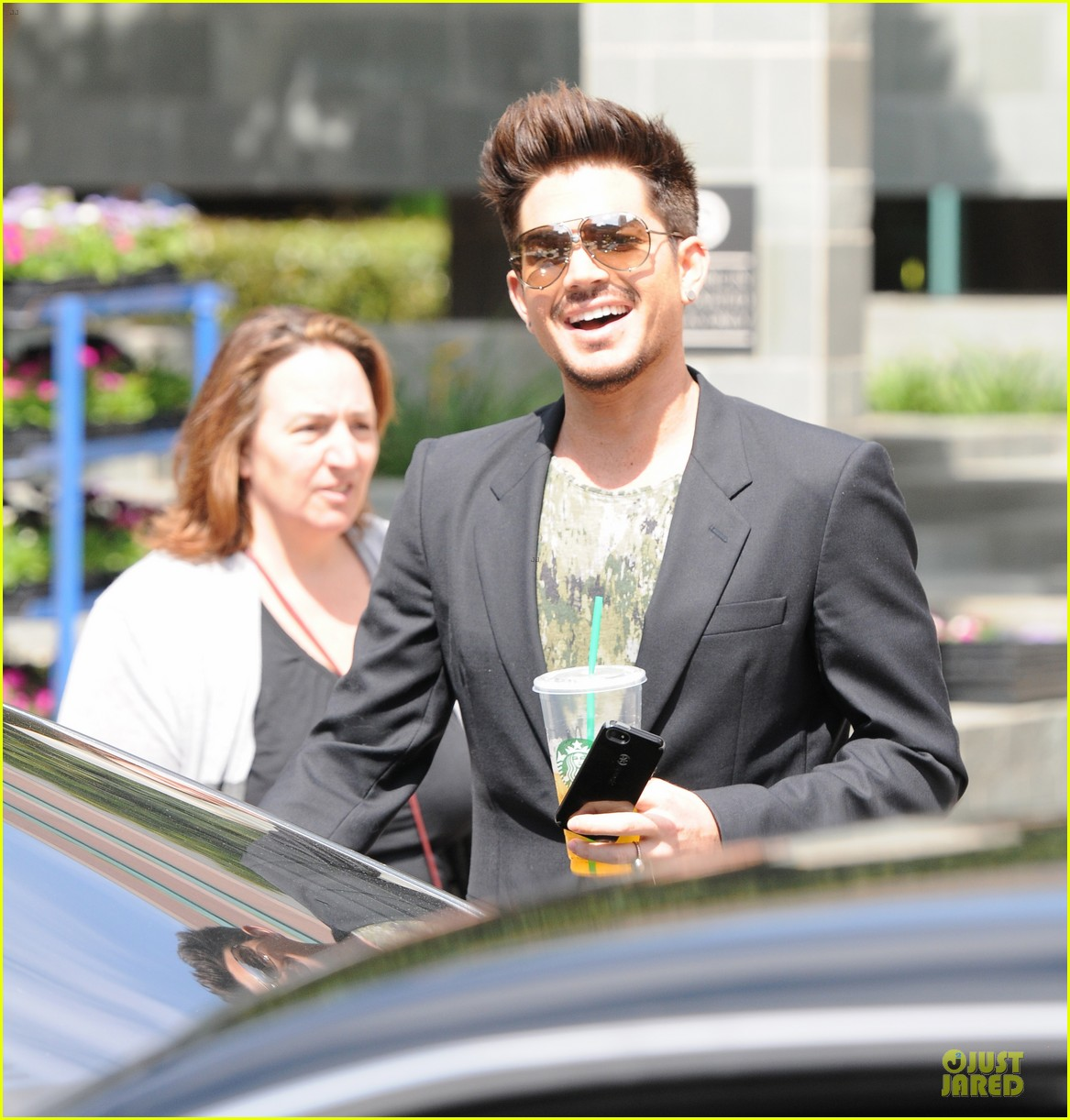 adam lambert tune into fashion police tonight 032888569