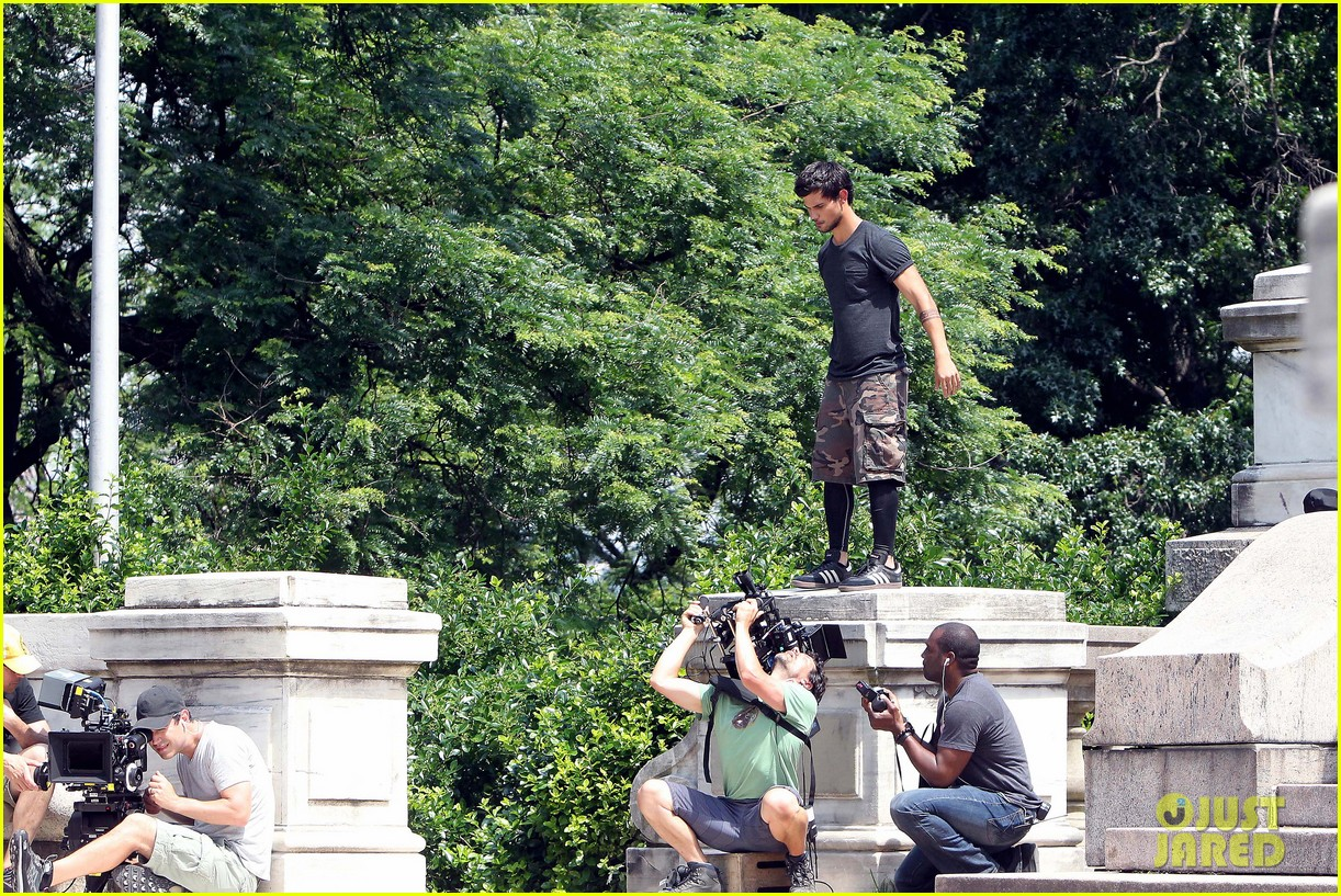 taylor lautner tracers shirt lift 102893805