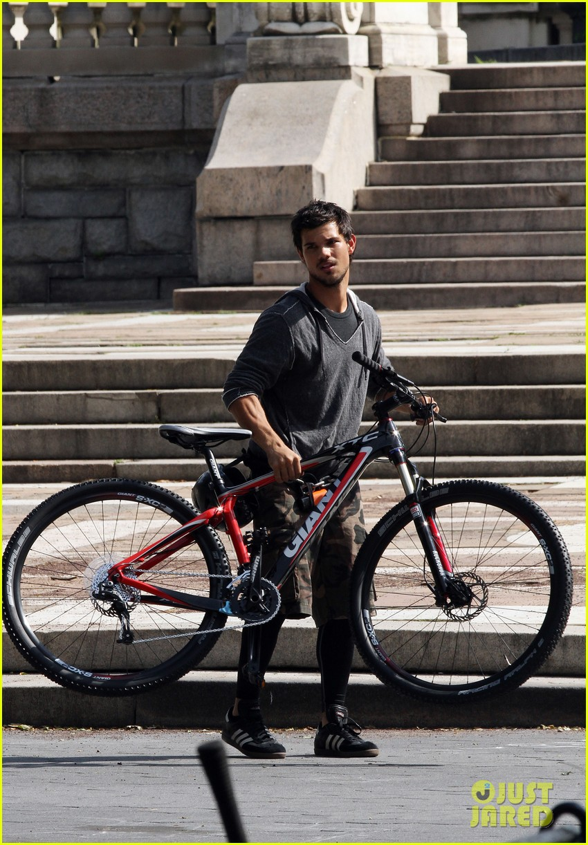 taylor lautner tracers shirt lift 222893817