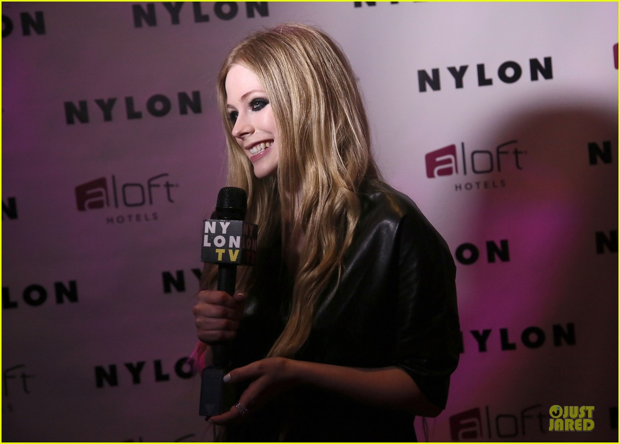 avril lavigne nylon magazine cover party 15
