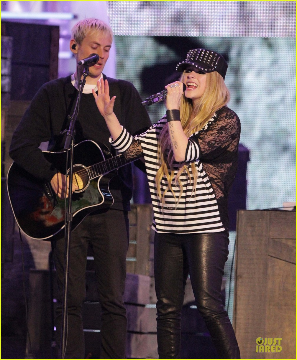 avril lavigne much music video awards rehearsal 022891740