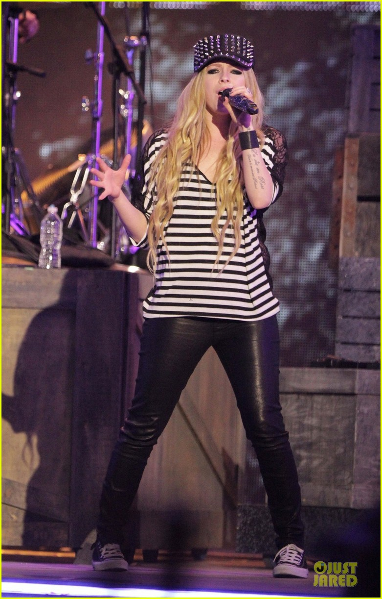 avril lavigne much music video awards rehearsal 032891741