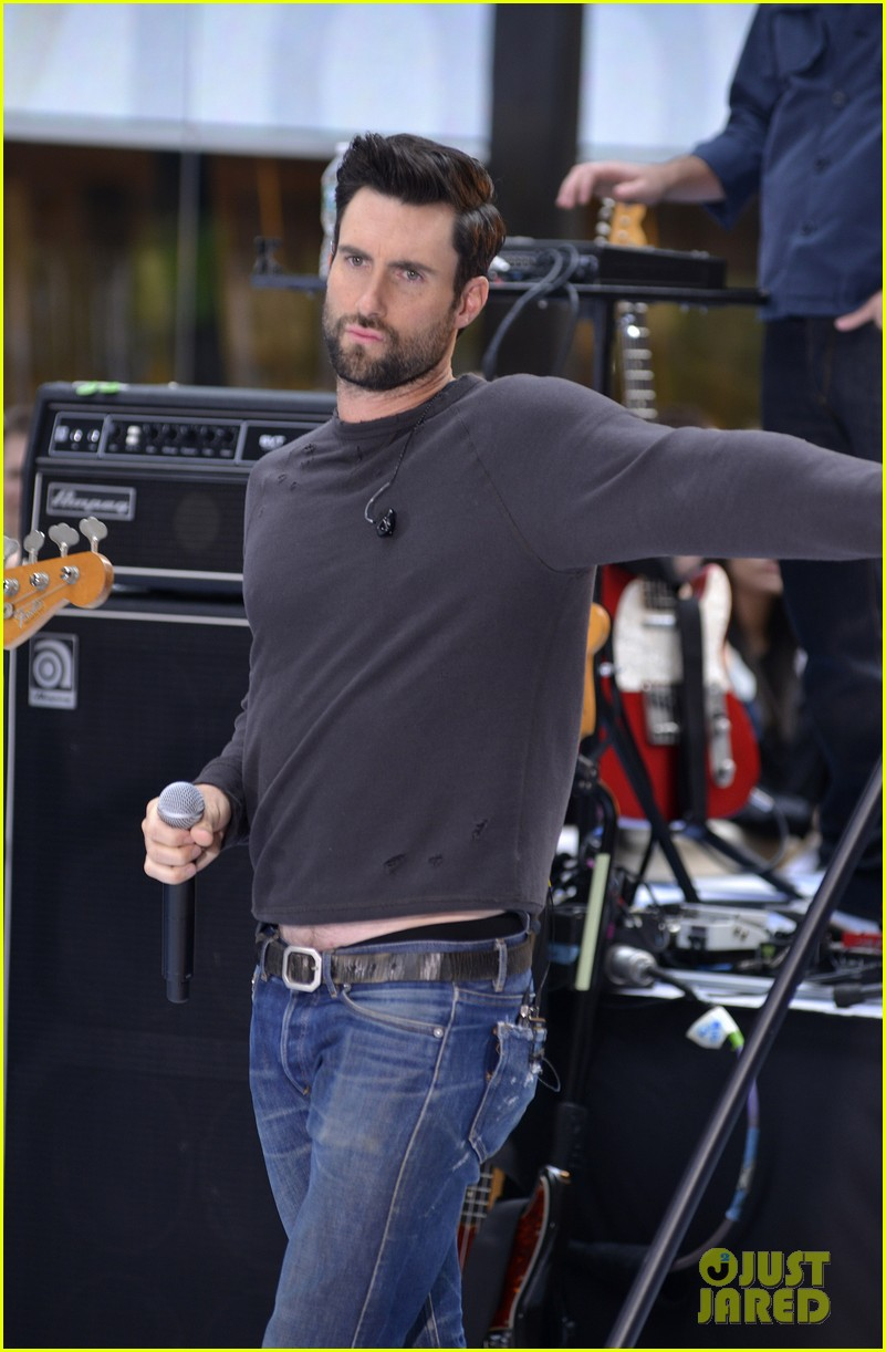 adam levine maroon 5 today show performance 04