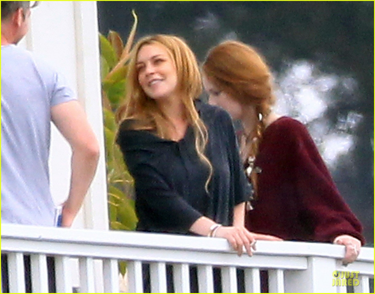 lindsay lohan rehab center bonding with friends 21