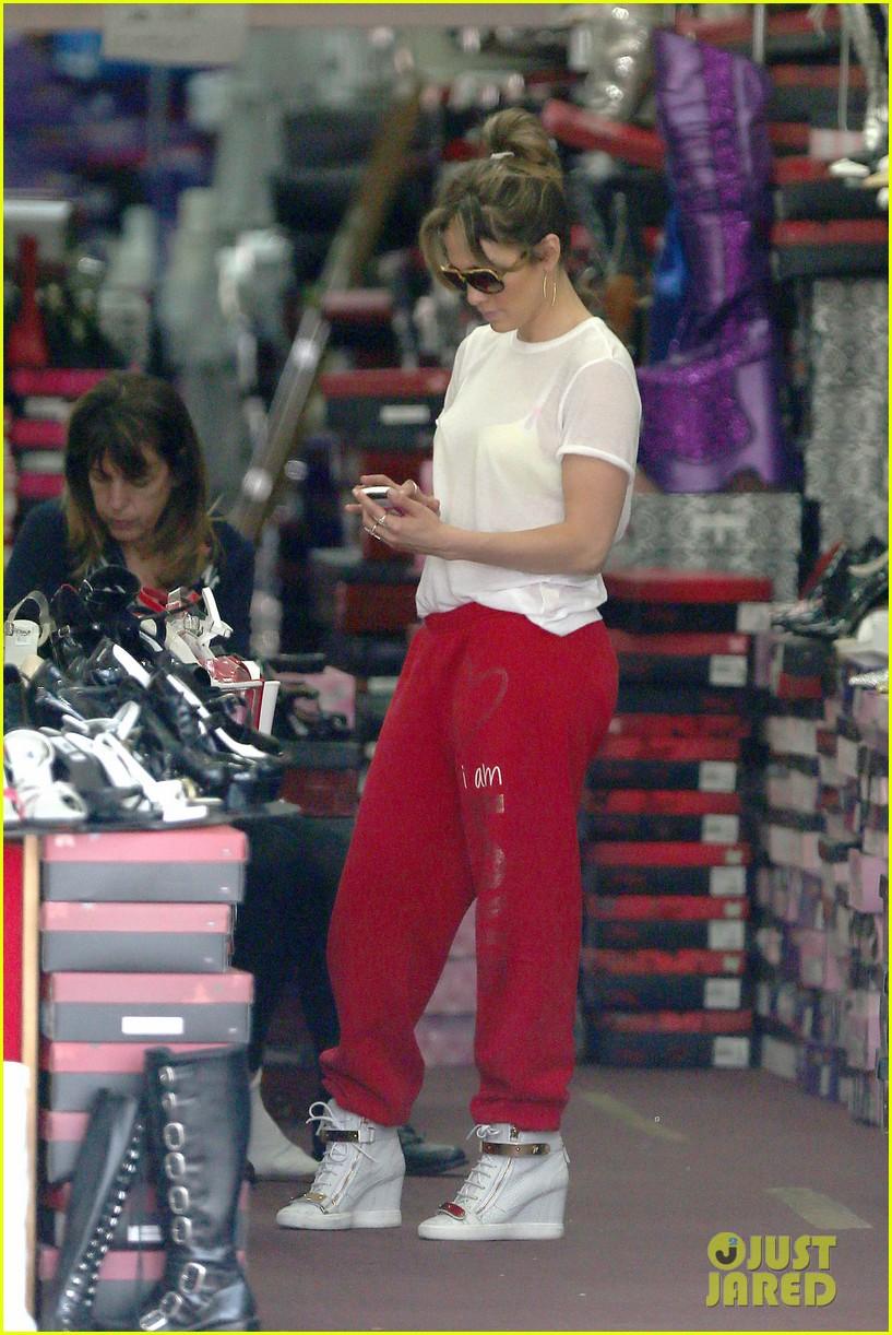 jennifer lopez wears cut out shirt while shopping 15