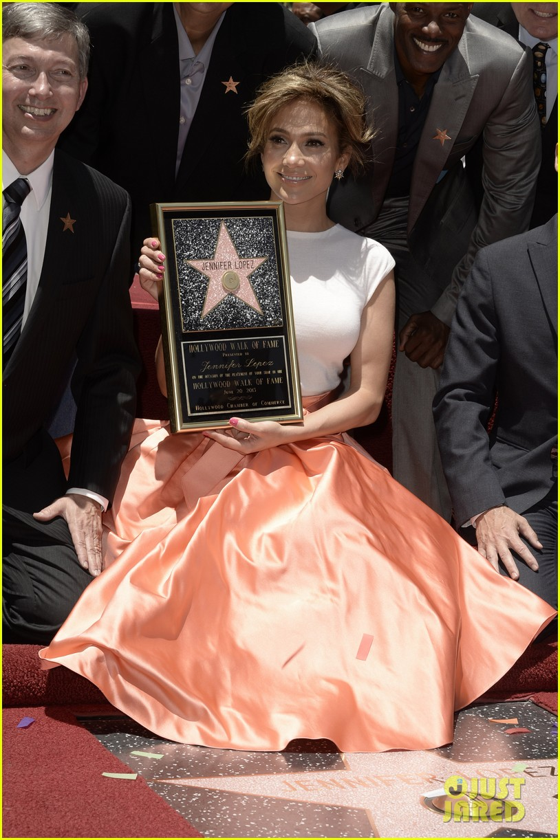 jennifer lopez receives star on hollywood walk of fame 02