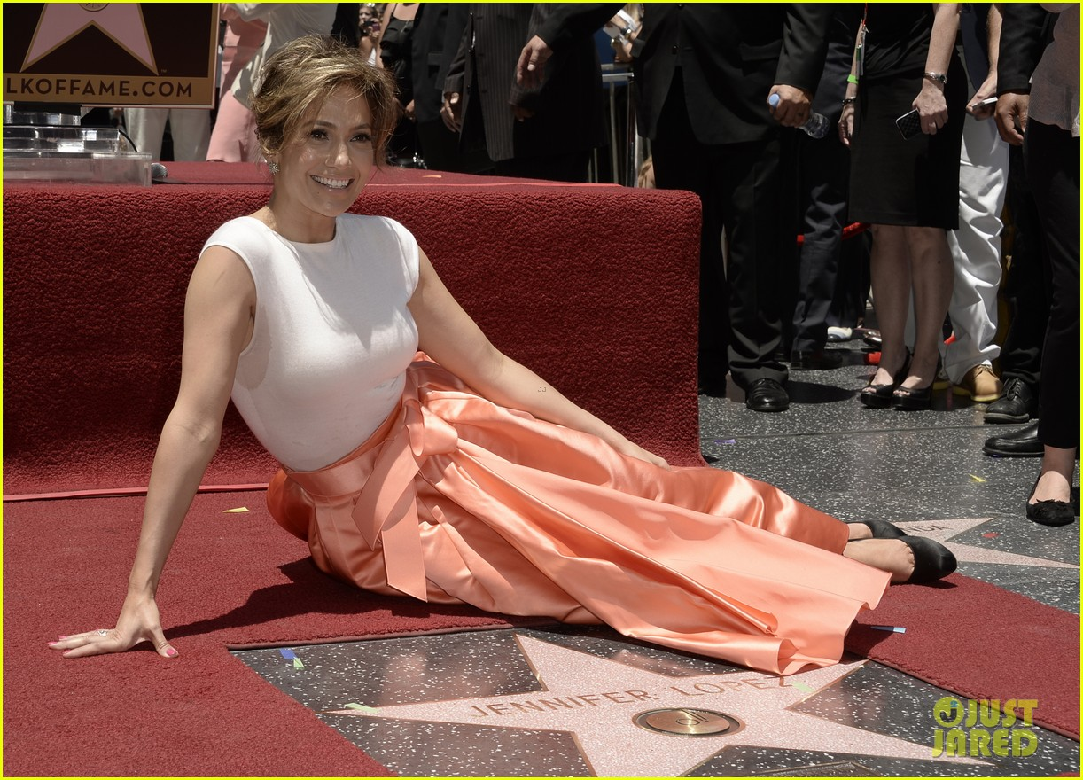 jennifer lopez receives star on hollywood walk of fame 10