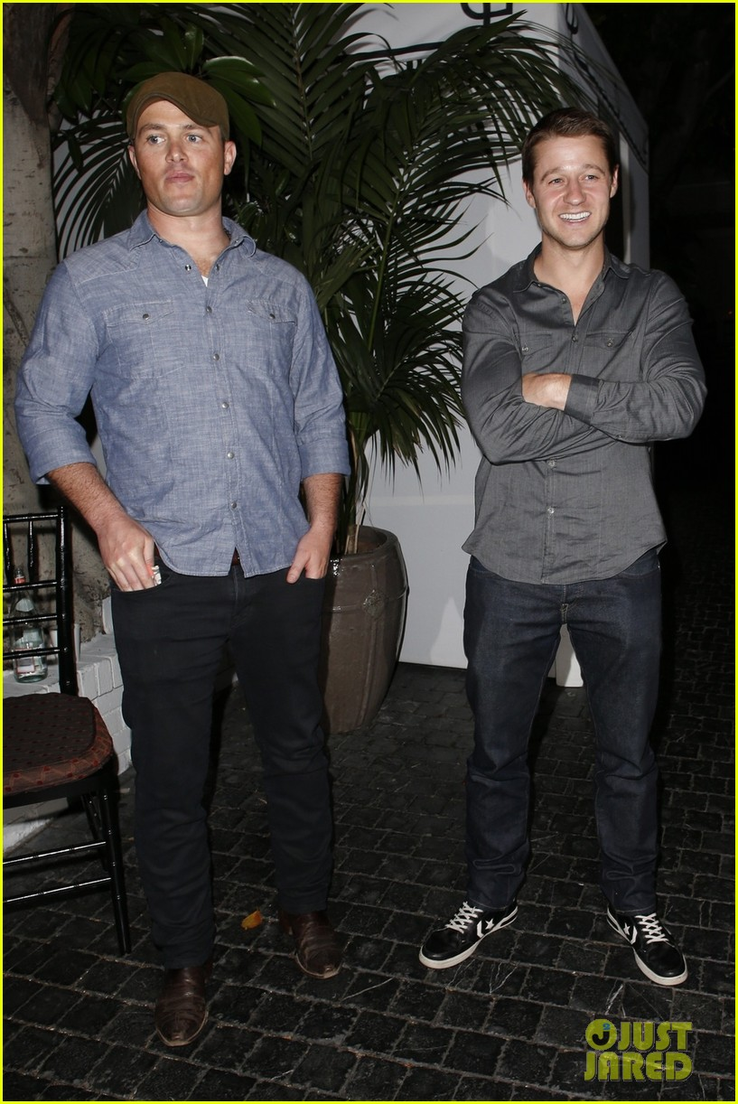 ben mckenzie chateau marmont night out with male pal 052892033