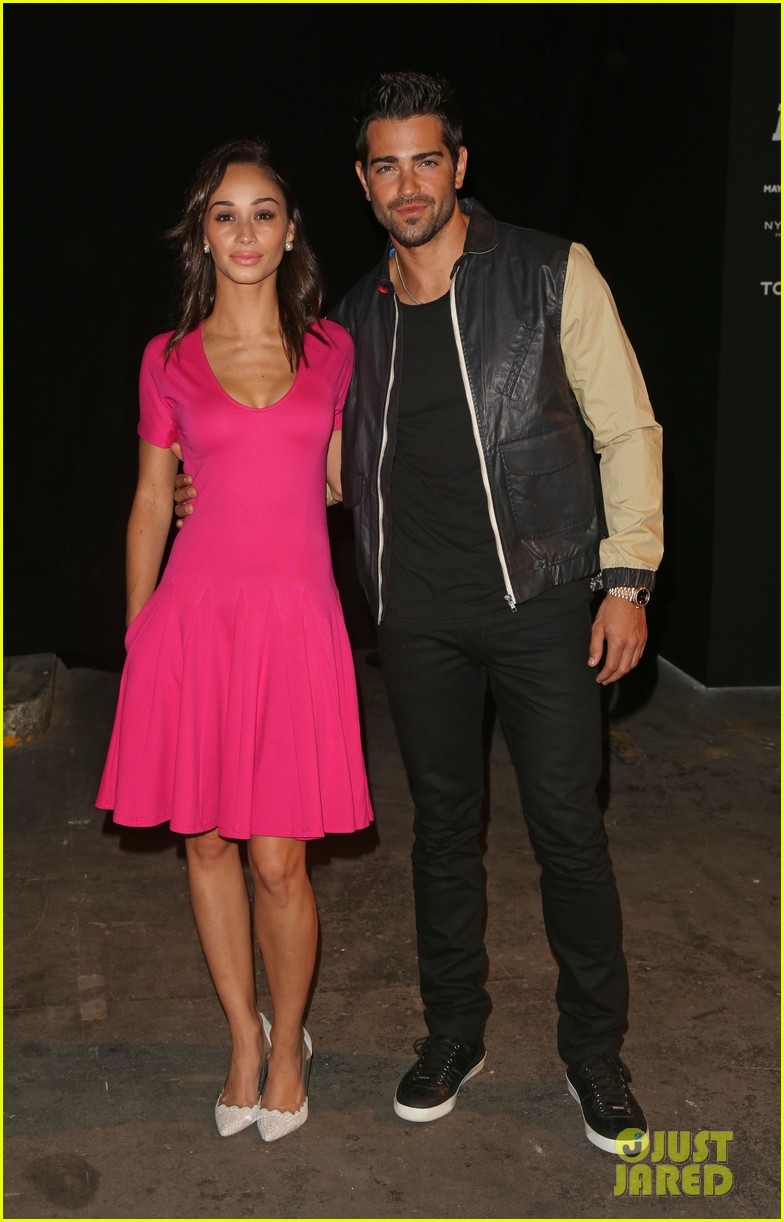 jesse metcalfe cara santana london fashion events 022893092