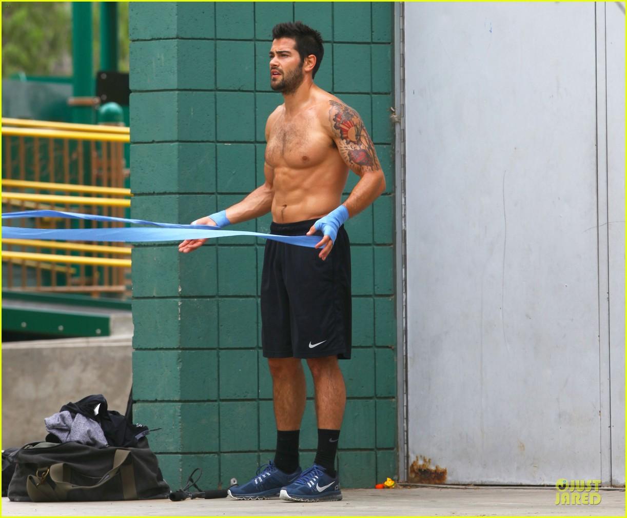 jesse metcalfe shirtless park workout 20