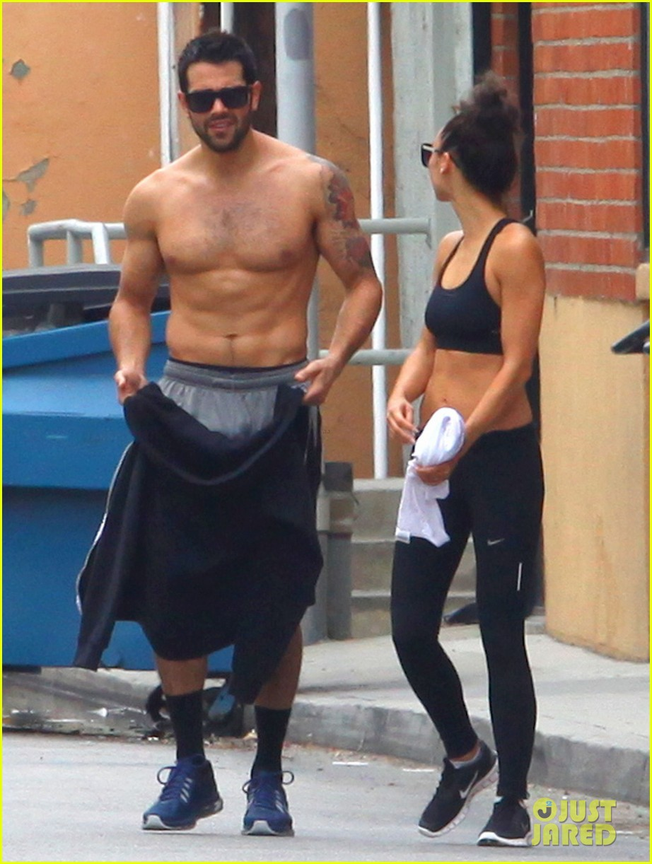 jesse metcalfe shirtless ab show after gym 102884875