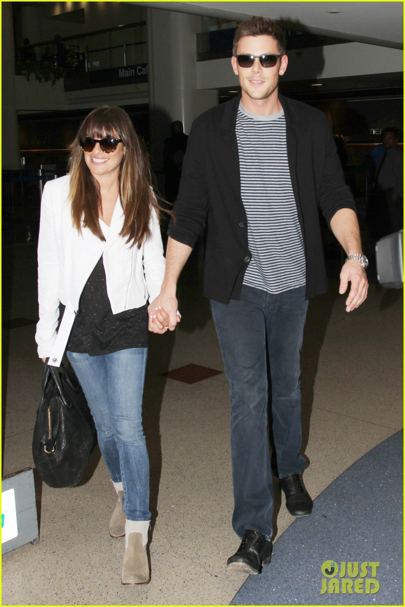 lea michele cory monteith hold hands at lax airport 01