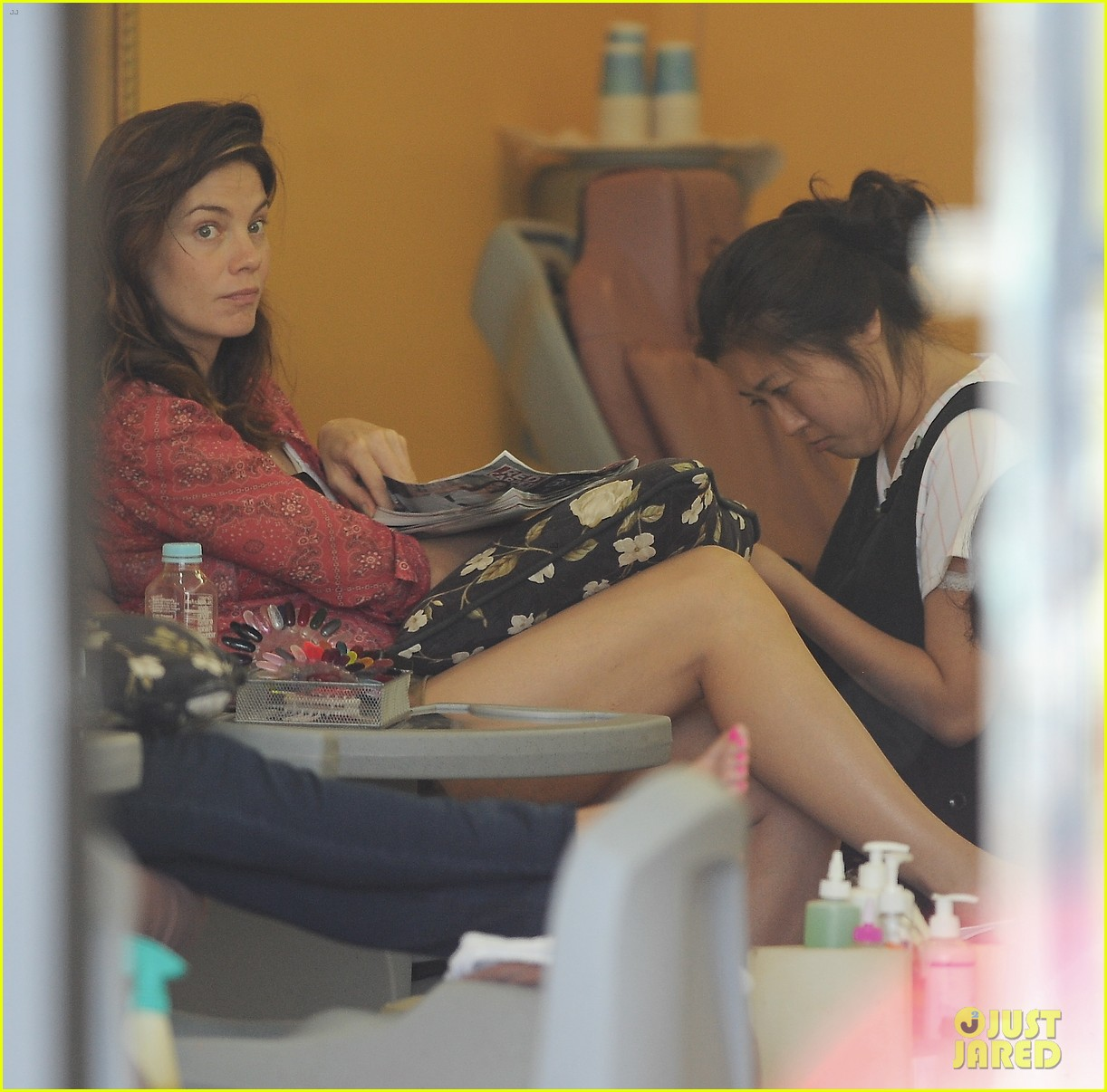 michelle monaghan visits the nail salon with willow 042896889
