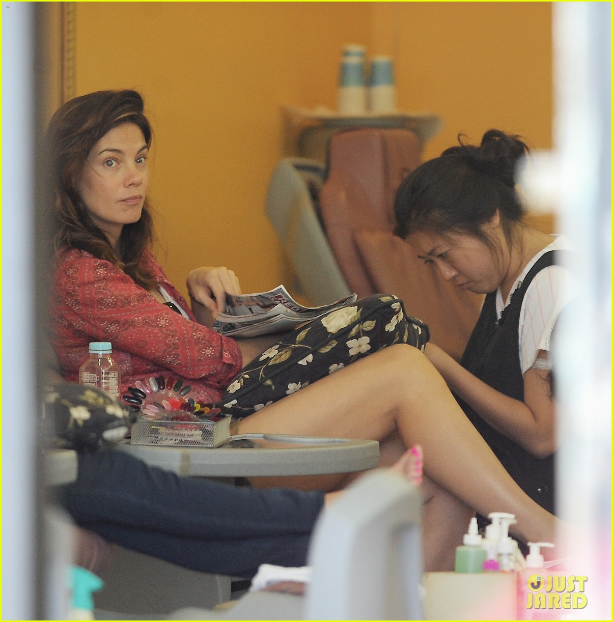 michelle monaghan visits the nail salon with willow 06