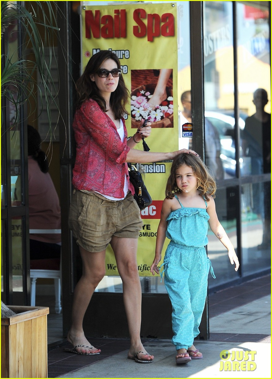 michelle monaghan visits the nail salon with willow 142896899