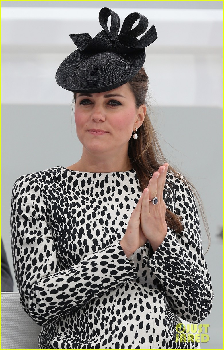 pregnant kate middleton baby bump at first ship christening 042890460