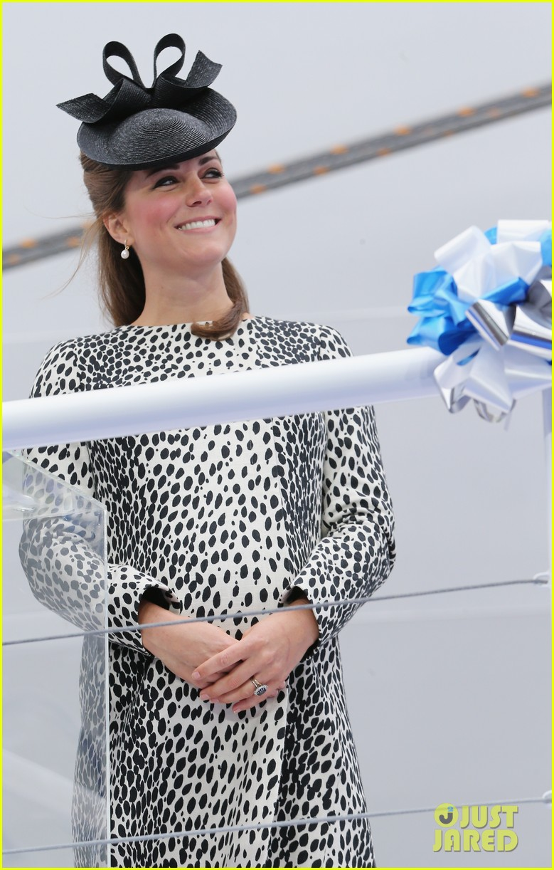 pregnant kate middleton baby bump at first ship christening 082890464