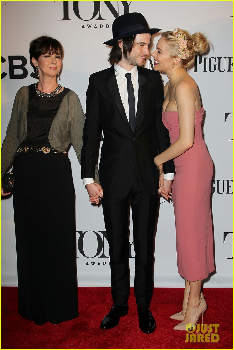 sienna miller tom sturridge tony awards 2013 red carpet 052887964