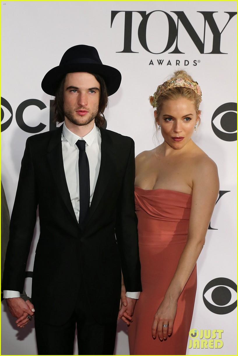 sienna miller tom sturridge tony awards 2013 red carpet 062887965