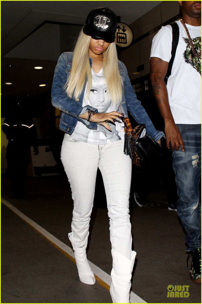 nicki minaj safaree samuels denim lax arrival 062896268