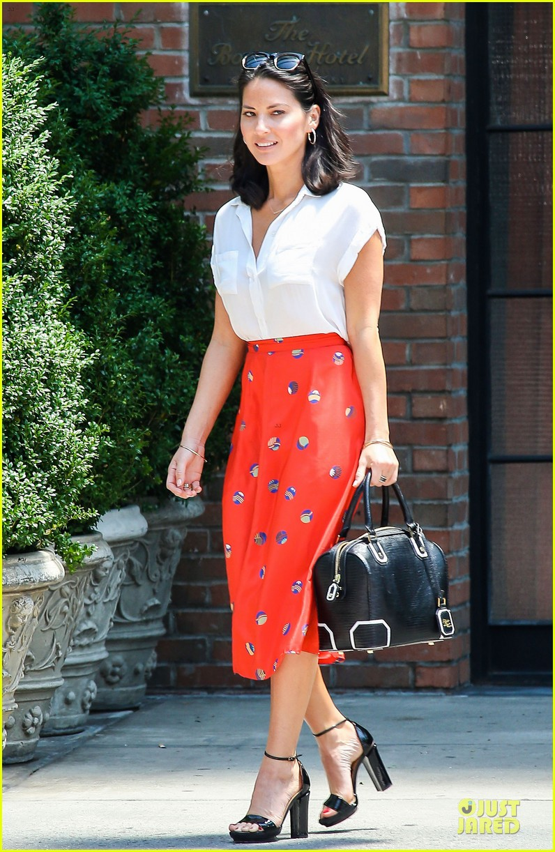 olivia munn id rather play with jigsaw puzzles than go out 092896208
