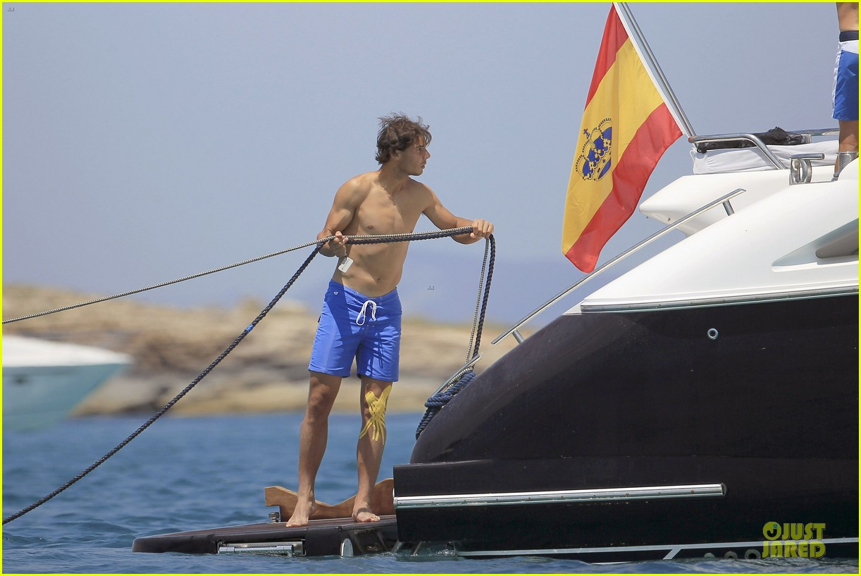 rafael nadal shirtless ibiza vacation with maria francisca perello 25