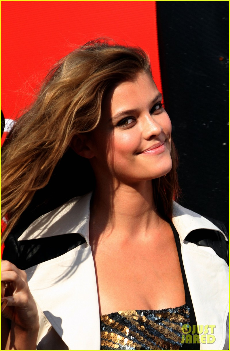 nina agdal photoshoot beauty in new york city 11
