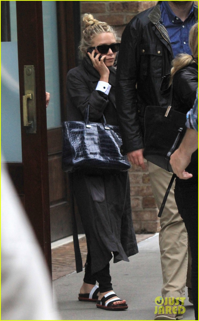 mary kate ashley olsen step out on 27th birthday 072890711
