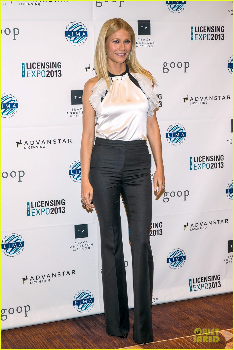 gwyneth paltrow licensing expo with tracy anderson 052893934