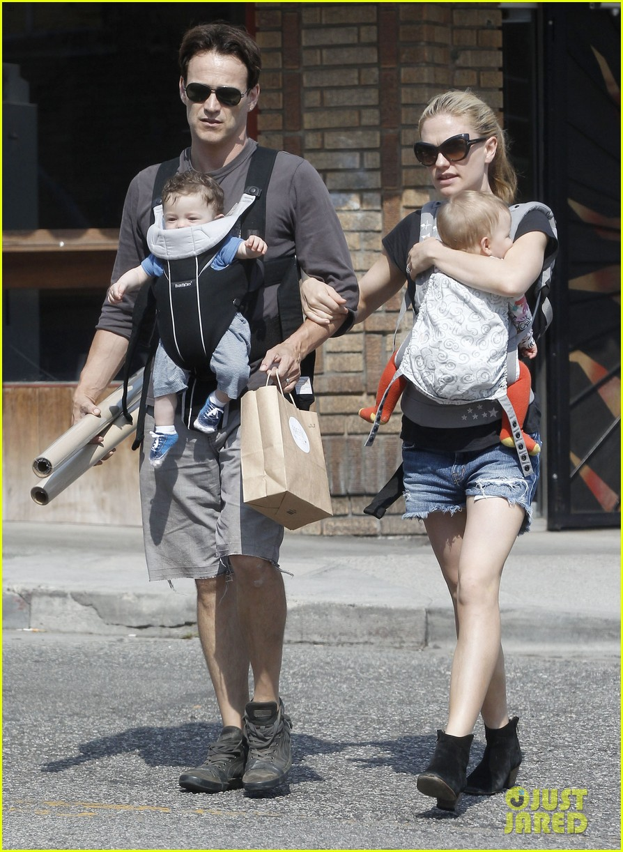 anna paquin stephen moyer lunch with charlie poppy 152900975