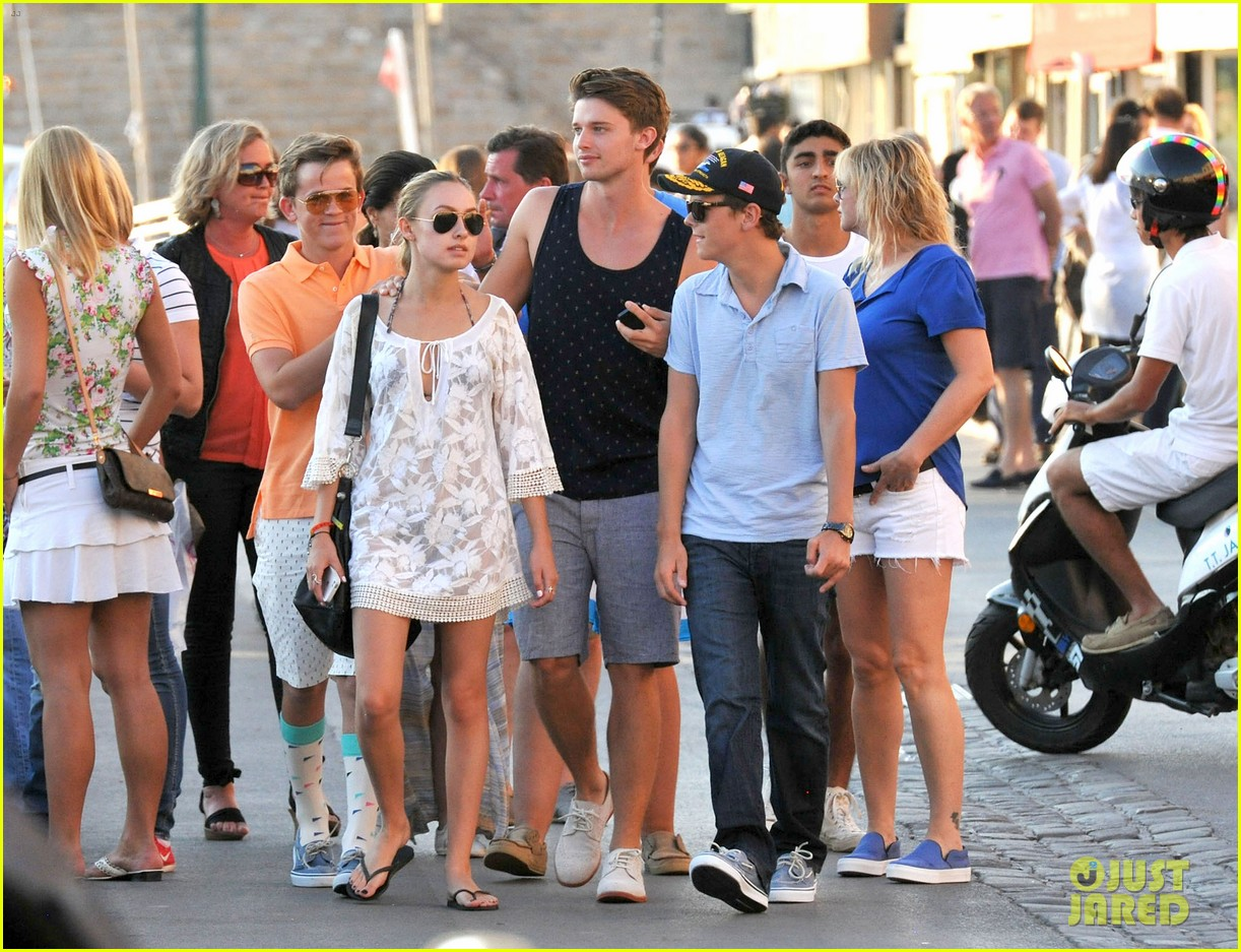 patrick schwarzenegger taylor burns hold hands in st tropez 072891029