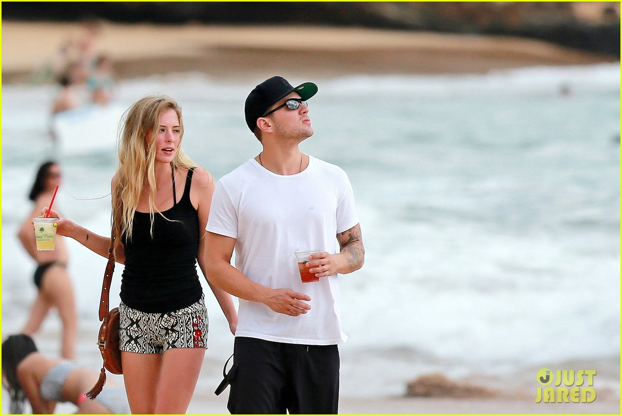 ryan phillippe hawaiian vacation with paulina slatger 13
