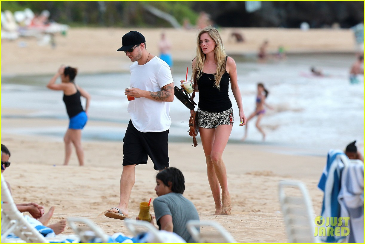 ryan phillippe hawaiian vacation with paulina slatger 14
