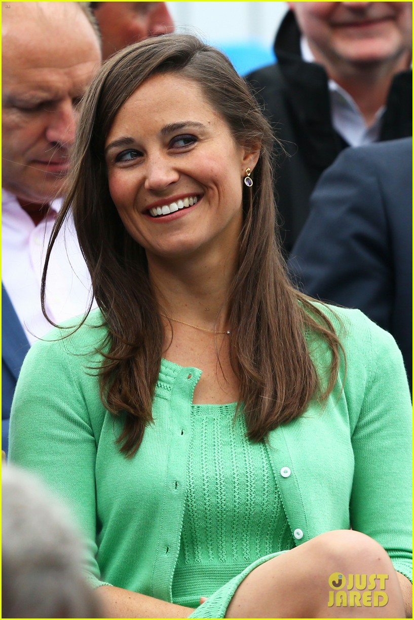 pippa middleton aegon championships with mom carole 09