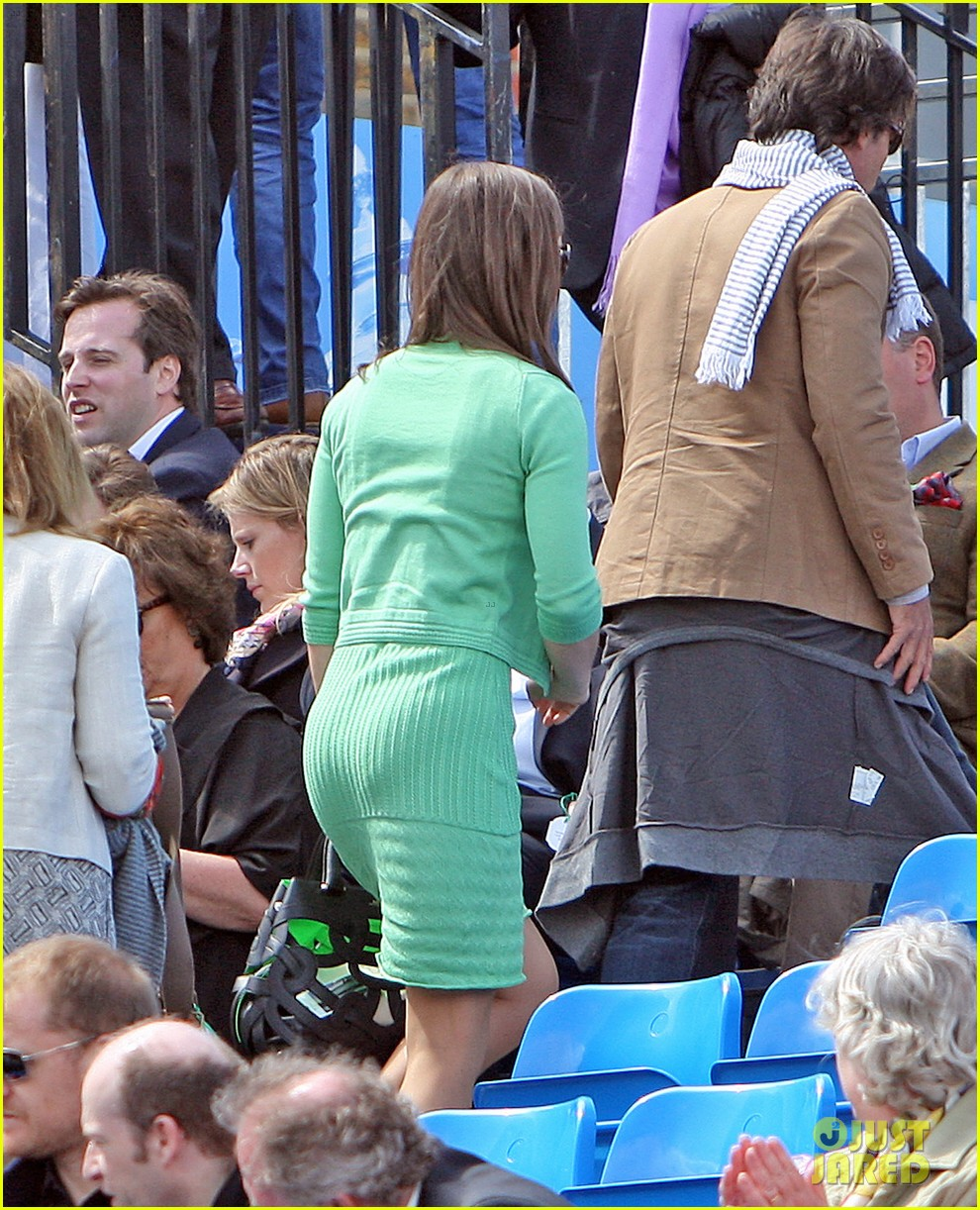 pippa middleton aegon championships with mom carole 20