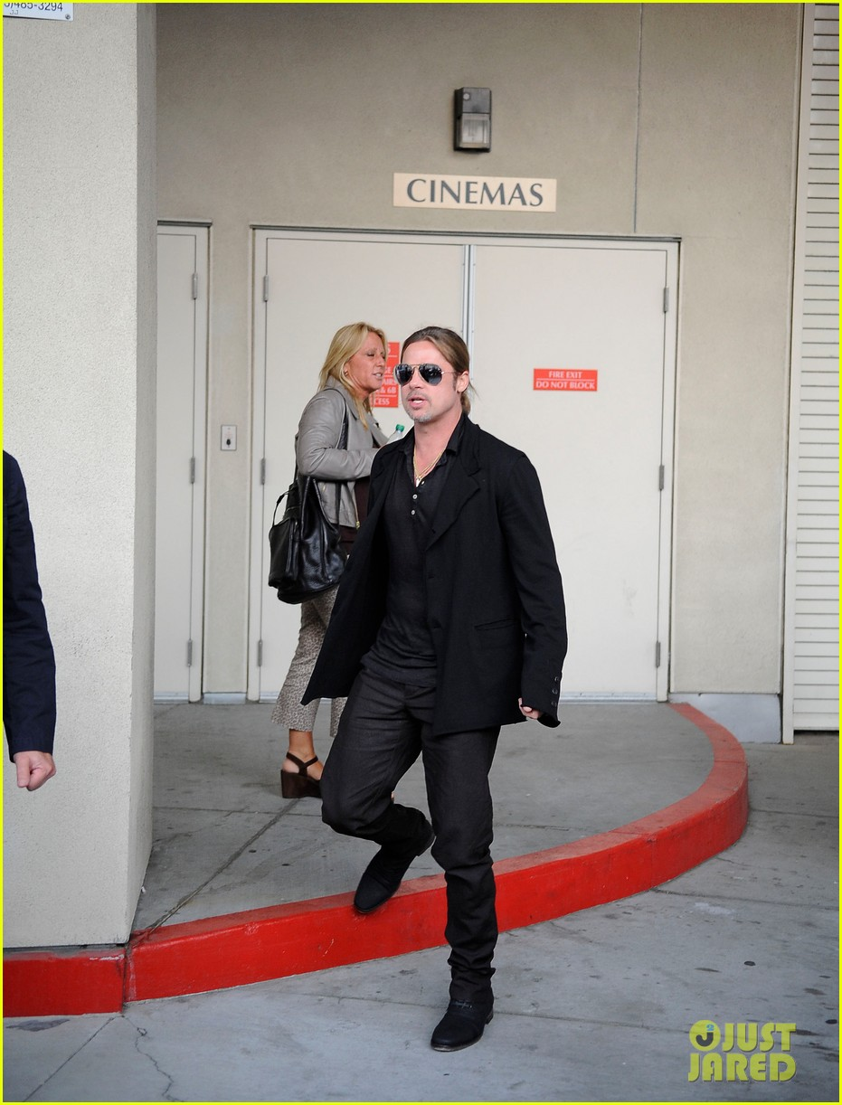 brad pitt continues world war z surprises in los angeles 07