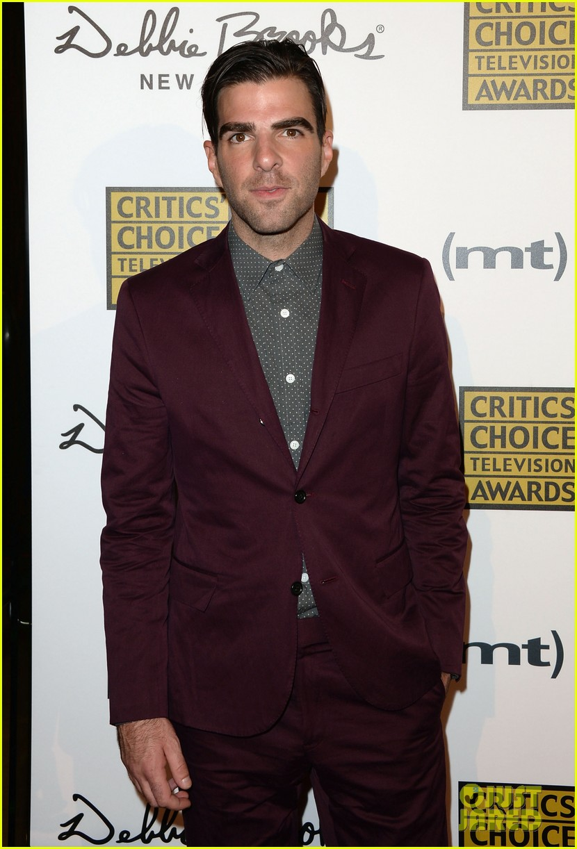 zachary quinto sarah paulson critics choice tv awards 2013 red carpet 02