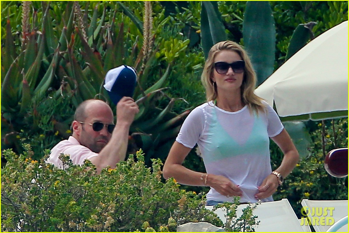 rosie huntington whiteley bikini vacation with jason statham 112888164
